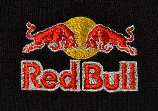 RedBull Beanie Stickerei Direkteinstickung